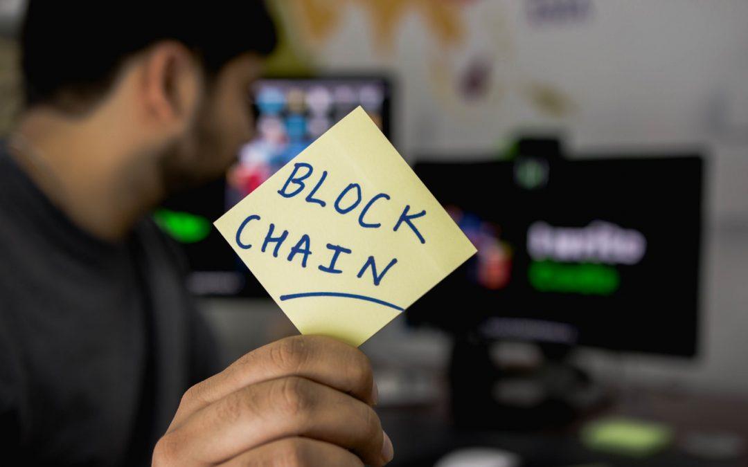 Mais que fait Facebook sur la blockchain ?